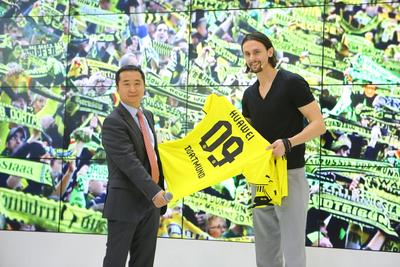 Huawei and BVB present High Speed Wi-Fi Concept for SIGNAL IDUNA PARK at CeBIT