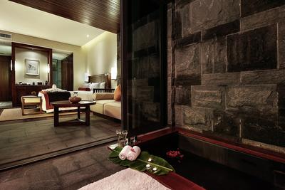 DoubleTree Resort by Hilton Hainan Qixianling Hot Spring