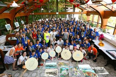 90 young artists from Hong Kong and 17 countries and regions sketched the Tai O fishing village and the UNESCO-awarded Tai O Heritage Hotel, bringing them a joyous memory