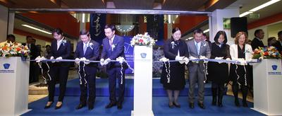 United Family Healthcare Chairwoman Roberta Lipson (far right), Mongolian Prime Minister Norovyn Altankhuyag (second from left), and other dignitaries officially open United Family Intermed Hospital in Ulaanbaatar, Mongolia on September 22, 2014.