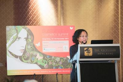 Dr. Pakamas of Asia Plantation Capital's Scientific Advisory Board delivering a paper on Oud at the Summit