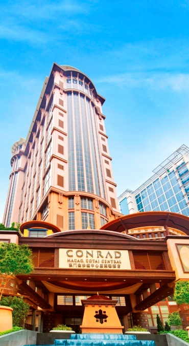 Conrad Macao has been named a 'Top 25 Hotel' & 'Top 25 Hotel for Service in China' in TripAdvisor's 2015 Travelers' Choice Awards.