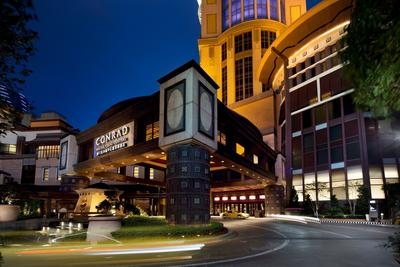 Conrad Macao has been named a Five-Star Hotel in the official 2015 Forbes Travel Guide Star Ratings.