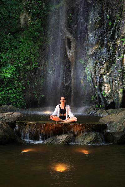Immerse in nature under the moonlit sky with the Lunar Experience at The Banjaran Hotsprings Retreat
