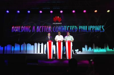 (From Left) Jacky Gao, Chief Executive Officer of Huawei Philippines, Monchito B. Ibrahim, Deputy Executive Director, Department of Science and Technology Information and Communications Technology Office and Atty. Gamaliel Asis Cordoba, Commissioner of National Telecommunications Commission officiate the opening ceremony of Huawei Philippines ICT Roadshow 2015.