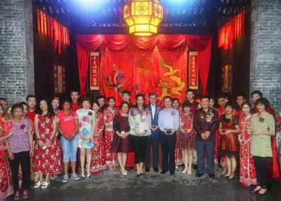 Nine New couples with Mr. Vincent H. S. Lo & Ms. Loletta Chu and Foshan Government Officers