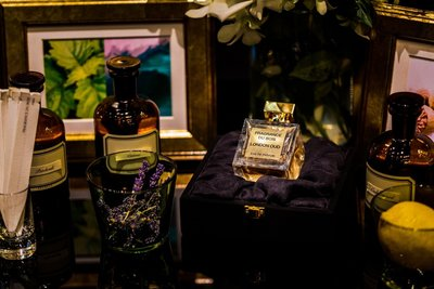 Some ingredients found in London Oud – Lemon, lavender, patchouli, marine notes, cedarwood, and last but not least – Asia Plantation Capital's 100% pure, natural Oud Oil.
