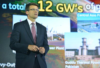 Steve Bolze President and CEO of GE Power & Water delivering a speech