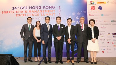 Gregory So(middle), GBS, JP, Secretary for Commerce and Economic Development posed for a picture with Joseph Phi (third left), Chairman of GS1 Hong Kong and speakers including Ivan Chan (first left), DHL eCommerce (Hong Kong) Ltd; Dee Dee Tsamoutalis (second left), Under Armour; Rick Ng (third right), Alibaba.com Hong Kong Ltd; John Parkes (second right), LF Logistics (Hong Kong) Ltd and Anna Lin(first right), JP, GS1 Hong Kong.