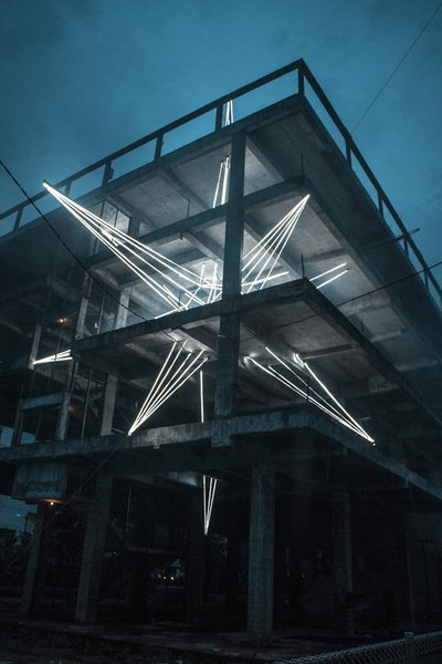 Giant Star Sculpture Made Out of 500 Metres LED Lights Up Malaysia