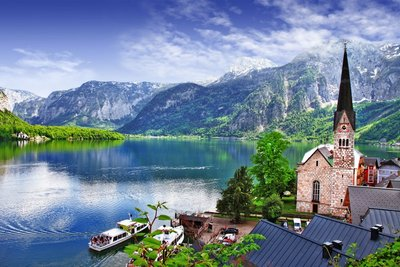Hallstatt is the Fastest Growing European Destination for Asian Travelers (photo source is Shutterstock)