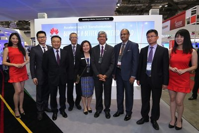"""Dr Yaacob Ibrahim , Minister of Communications and Information Singapore, Azhar Hj Ahmad, Permanent Secretary to Ministry of Communications Brunei and Dato' llango Kamruppannan , High Commissioner-Designate of Malaysia to Singapore visited Huawei booth at CommunicAsia 2016 to share the vision of """"Accelerating ICT Transformation, Building a Better Connected World""""."""