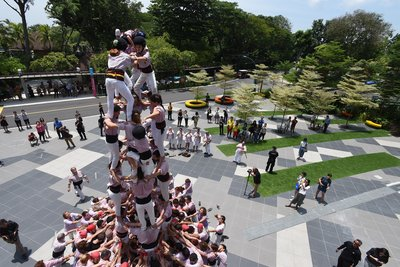 The Minyons de Terrassa performing a castell in Singapore