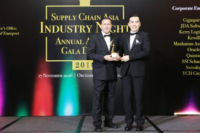 Sean Wall, Executive Vice President, Network Operations and Aviation, DHL Express Asia Pacific receiving the Last Mile Partner of the Year award at Supply Chain Asia Awards 2016