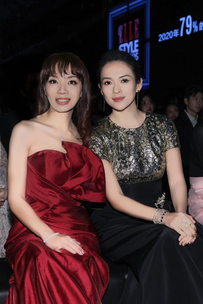 Acting Chief Executive Officer of Hearst Media China, Yvonne Wang和国际巨星章子怡台下合影