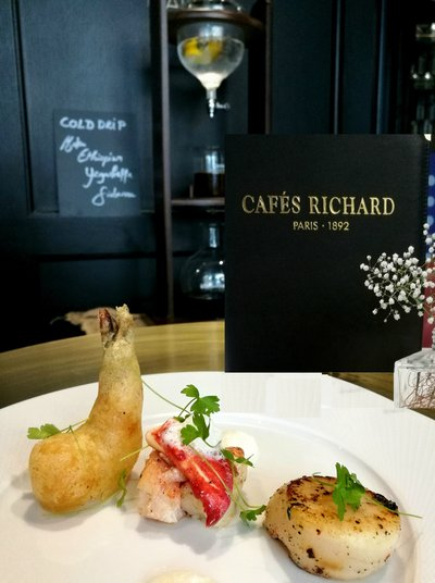 Valentine Dishes @ Cafes Richard-Appetizer (French lobster salad grilled scallop prawn tempura lemon-mint-fennel emulsion)