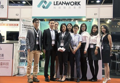 Group photo of Lean Work team before the start of the expo.