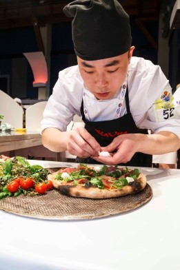 The Chinese representative in the World Pizza Championship stage