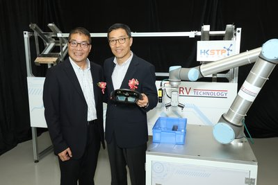 RV CEO Rio Chau (left) and HKSTP CEO Albert Wong (right) both believe that smart warehouse solution will become a pivotal stepping stone for the Greater China enterprises to move towards Industry 4.0.