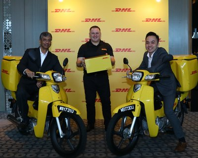 L-R Malcolm Monteiro, CEO, Asia Pacific, DHL eCommerce, Charles Brewer, CEO, DHL eCommerce and Jason Kong, Managing Director, DHL eCommerce Malaysia.