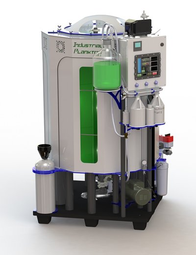 Bioreactor presented by a Canadian exhibitor can be used for aquaculture and biotech industry