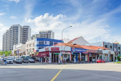 "Probably the most recognisable street junction in Hougang, the junction of Simon Road and Upper Serangoon Road is in the Kovan neighbourhood, otherwise known as the ""Lak Gor Jiok"" or ""6th milestone area of Serangoon Road"". (Image credit: Ken Koh)"