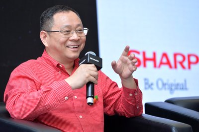 Dr. Luo Zhongsheng CEO of SHARP/InFocus Mobile
