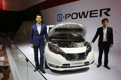 Mr Eiichi Koito, President Director, PT Nissan Motor Indonesia; Ohsugi Masayuki, Nissan Technical Center, Southeast Asia, Vehicle Project Management, General Manager
