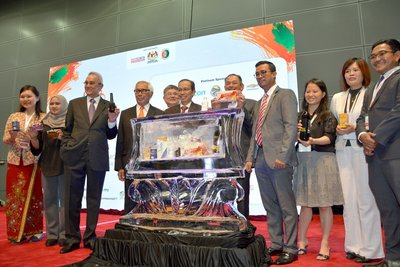 (fourth from left) Chairman of Bioeconomy Corporation, Tan Sri Zakri Abdul Hamid; Secretary General of MOSTI, Datuk Seri Mohd Azhar bin Haji Yahaya and (fourth from right) Chief Executive Officer of Bioeconomy Corporation, Dr. Mohd Shuhaizam Mohd Zain during the launch of 8 BioNexus products at BioMalaysia 2017