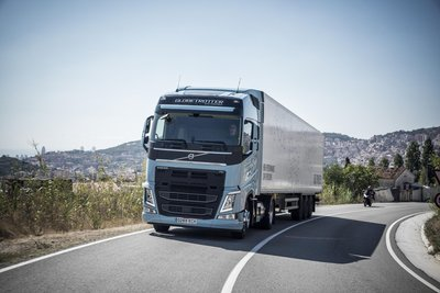 World premiere – Volvo Trucks is introducing heavy duty Euro 6 trucks running on liquefied natural gas or biogas.