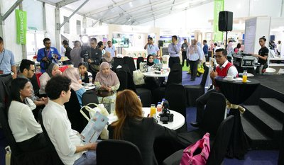 Members of the media interact with Chief Executive Officer of Bioeconomy Corporation, Dr. Mohd Shuhaizam Mohd Zain during a special networking session on the last day of NICE Expo 2017 at the Wellness Cluster.