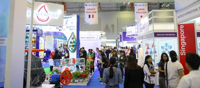 Industrial professionals visiting the 2016 exhibition