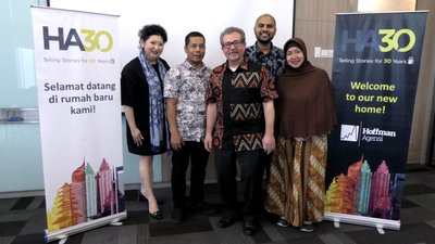(From left to right) Caroline Hsu - Managing Director, Asia Pacific, Hoffman Agensi; Paryono Nitisuwito - Media Relations Executive, Hoffman Agensi; Lou Hoffman - President and CEO, Hoffman Agensi; Rasheed Abu Bakar - Account Director, Hoffman Agensi; Cici Utari - Associate Account Director, Hoffman Agensi