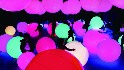 Light Ball Orchestra – rolling a light-ball changes its color and sound. Combined, the light-balls form an orchestra.