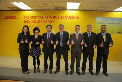 Ken Allen, Global CEO of DHL Express (middle) and Fred Lam, CEO, Airport Authority Hong Kong (third from left) celebrated the expansion plan for DHL Central Asia Hub with officiating guests (L-R): Alaina Shum, GM, Aviation Logistics, Airport Authority Hong Kong; Cissy Chan, Executive Director, Commercial, Airport Authority Hong Kong; Ken Lee, CEO of DHL Express Asia Pacific; Sean Wall, EVP, Network Operations and Aviation, DHL Express Asia Pacific; and Tony Khan, General Manager, DHL Central Asia Hub.