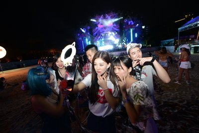 Over 1.8 Million Young Chinese Watched Asia's Grandest Music Festival ZoukOut Online via Tencent Qzone