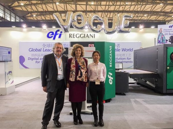 VP/GM Adele Genoni (middle), Sales & Marketing Director Michele Riva (left) from EFI Reggiani and Ivy Chen (right) from TPF