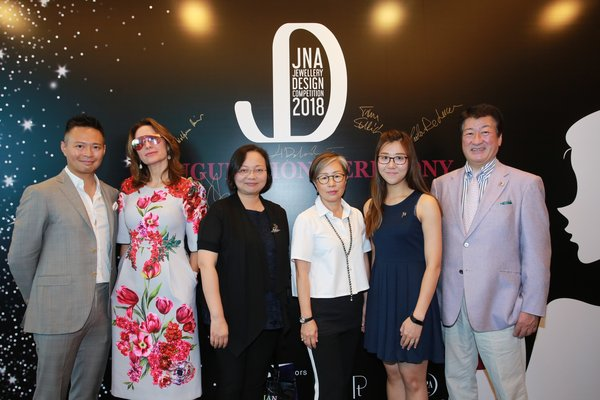 From the left: Tai Wong, Business Development Director of PGI; Paola De Luca, Founder & Creative Director of The Futurist Ltd; Ida Wong, General Manager of TPAHK, Rebecca Cheng, Chief Operation Officer of Rio Pearl; Gloria Au, Sales Manager of Crossfor HK Ltd and and Hidetaka Dobashi, CEO of Crossfor Co Ltd