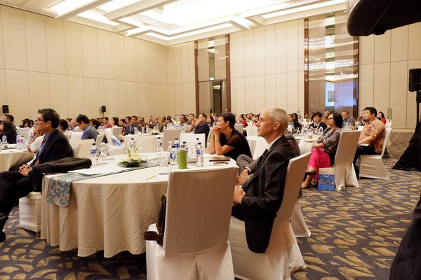 Cambridge Conference Indonesia gathers around 200 teachers and headmasters in order to learn from the experts on how to prepare the students for the world stage.