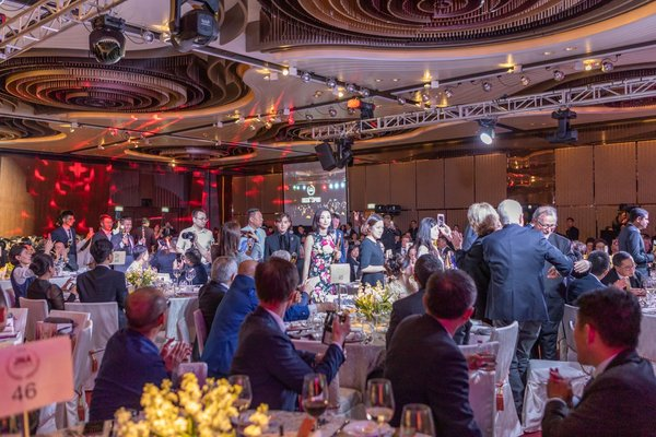 Honourees marched in to the JNA Awards 2018 Gala Dinner to share their achievements and happiness with their peers from the trade