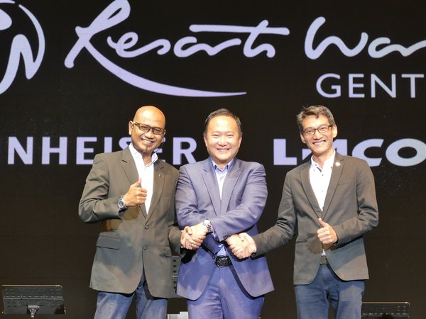 (From left to right) Faz Salleh, Senior Consultant of Pro Audio Solutions, Sennheiser Eletronice Asia Pte Ltd, Kevin Tann, Vice President of Promotions & Entertainment Department, Resorts World Genting and Vince Tan, Vice President of Pro Audio Solutions Sales, Sennheiser Electronic Asia Pte Ltd at the launch of largest and one of the world's best L-Acoustics K2 installation in Asia at Arena of Stars, Resorts World Genting