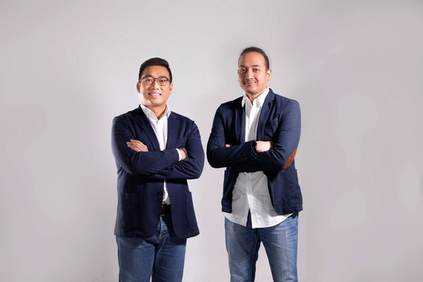 (left) Chief Executive Officer SAC, Antonny Liem and (right) Chief Operating Officer, Rayandityo Muktiaki