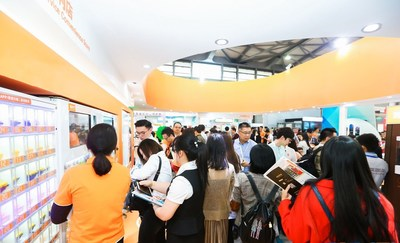 Visitors gathered at Ubox booth in CVS2018