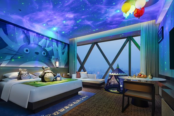 Star effect in 1 king bed with totoro theme room