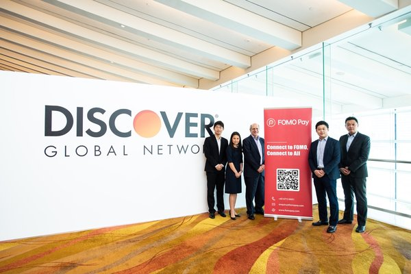(From left to right) Mr. Zack Yang Zhan, COO and Co-Founder of FOMO Pay, Ms. Judy Chan, VP of Discover, Mr. Jonathon P. Gould, APAC Head of Acceptance Development of Discover, Mr. Louis Liu Xi, CEO and Co-Founder of FOMO Pay and Mr. Kelvin Lee, Senior VP of Discover, FOMO Pay and Discover Global Network announced a partnership to enable Discover Global Network cardholders the ability to use their cards at FOMO Pay's merchants around the globe.
