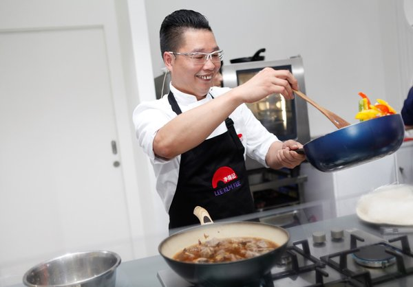 Michelin-starred Chef Kwok-keung Chan from Hong Kong is demonstrating a twist to Cantonese dishes with the application of Lee Kum Kee sauces and condiments at Food & Hotel Indonesia (FHI) 2019 on Thursday (25/7).