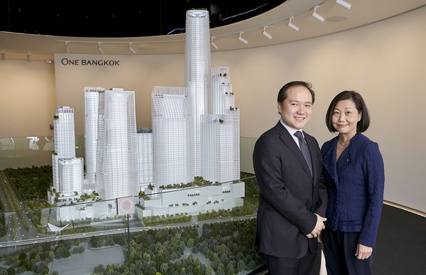 Mr. Panote Sirivadhanabhakdi (left), Group CEO, Frasers Property Limited and Ms. Su Lin Soon (right), CEO - Development, One Bangkok, at the press conference to unveil the masterplan for One Bangkok; Thailand's largest fully-integrated district with an ambition to be a new global landmark, held at The Prelude, One Bangkok.