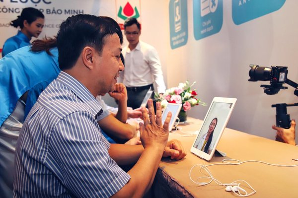 With this partnership, Bao Ming's insured customers can video-consult a Vietnamese doctor through the Doctor Anywhere app.