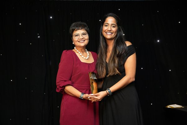 Labuan IBFC CEO, Farah Jaafar-Crossby (left), receiving the Asia Captive Review Awards 2019 for Asian domicile category, from Mansi Khatwani of Captive Review.