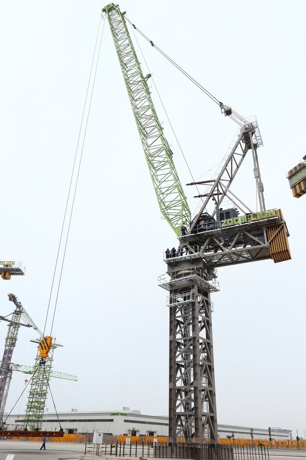 Zoomlion's LH3350-120 Breaks World Record as the Largest Internal Climbing Luffing Tower Crane